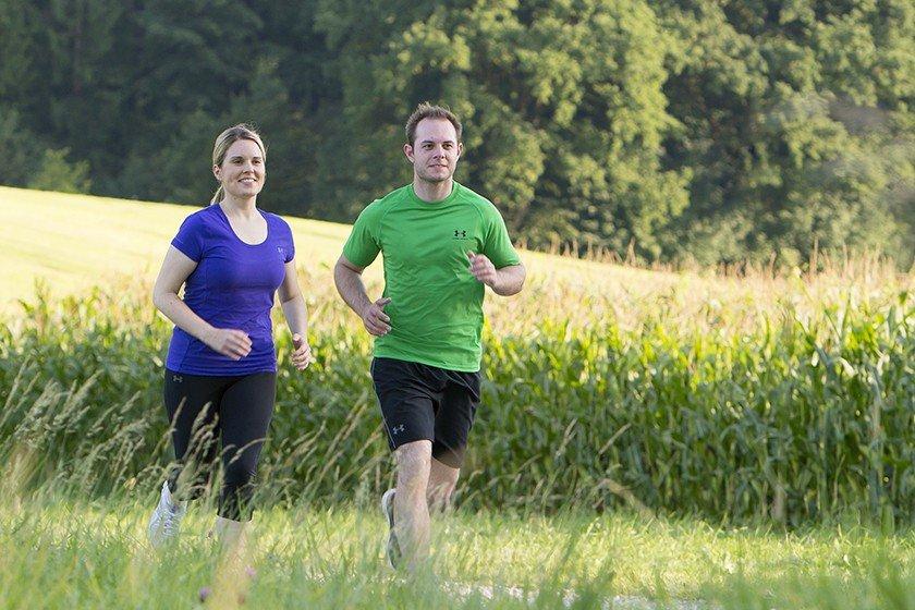 Herzfrequenzmessung beim Ausdauertraining - der Personal Trainer hilft bei der Analyse